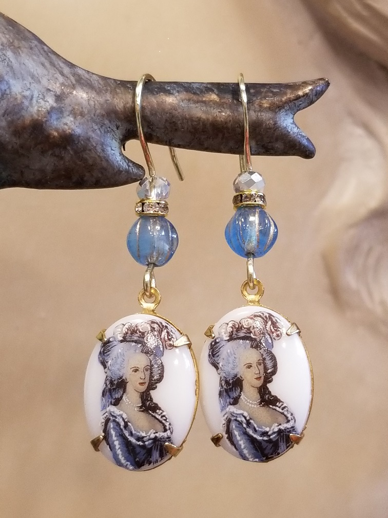 Marie Antoinette Oval Earrings