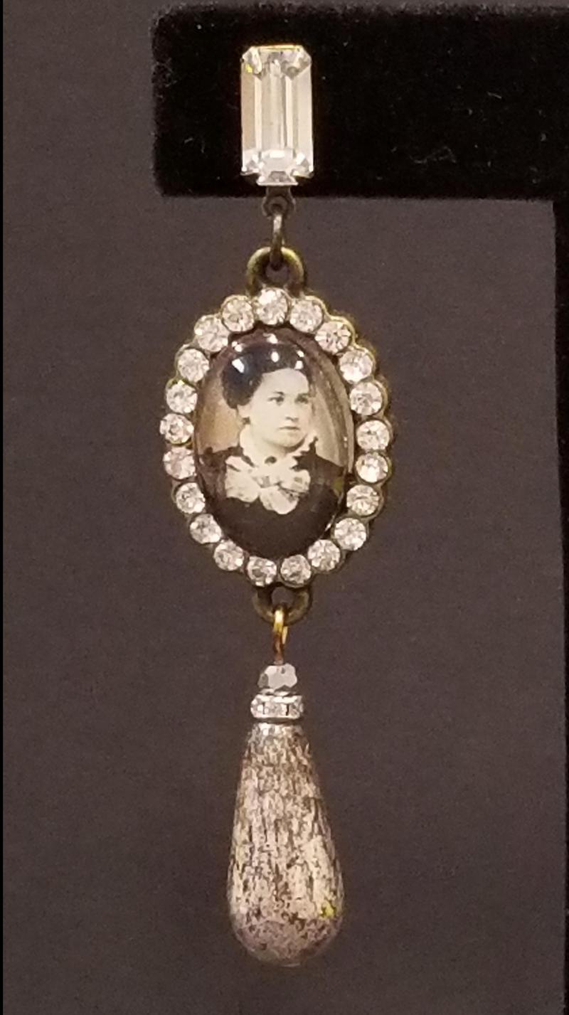 The Chaperoned Victorian Couple Bubble Earrings