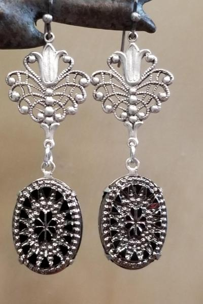Antique Heirloom Earrings (Black/Silver)