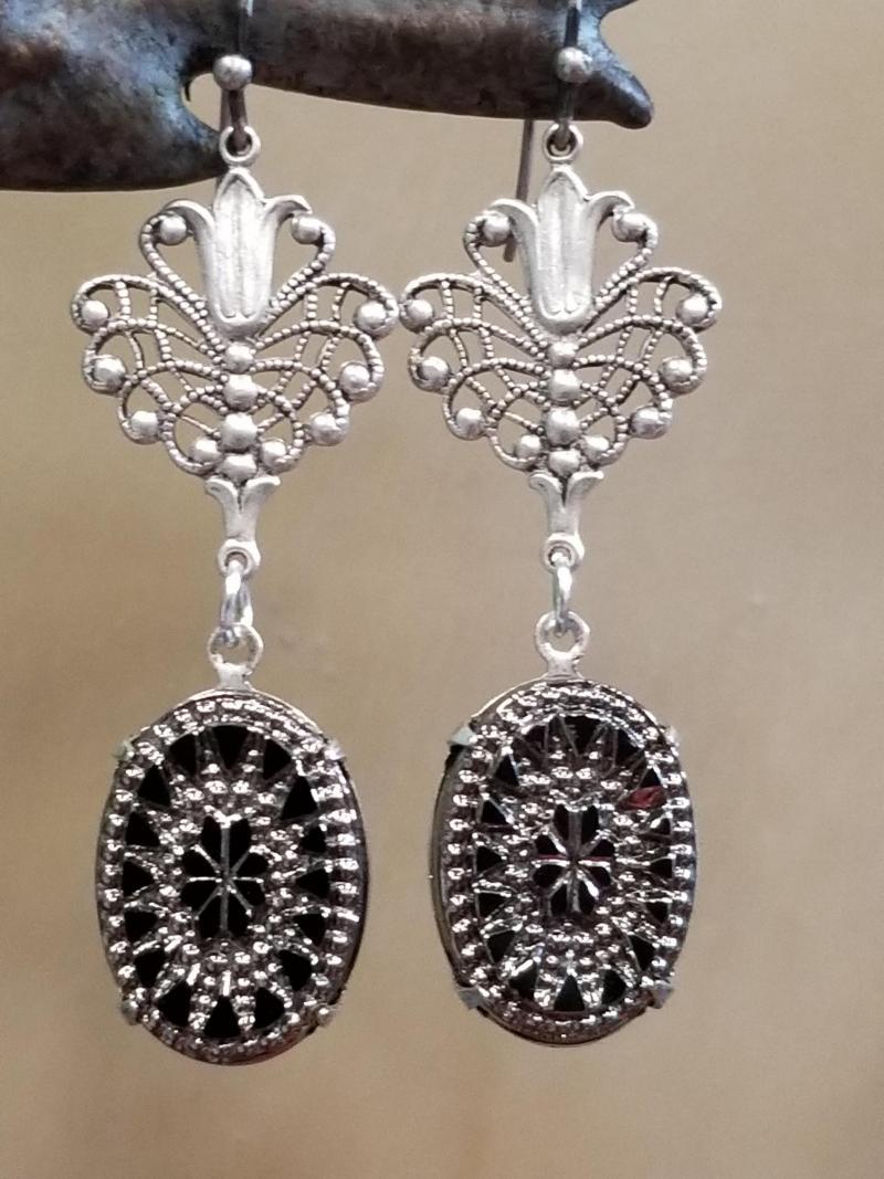 Antique Heirloom Earrings (Black/Silver)