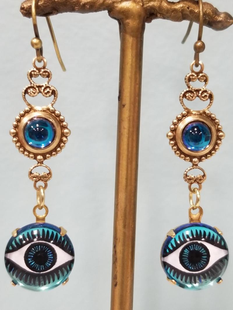Enchanting Eyes Earrings (Blue)