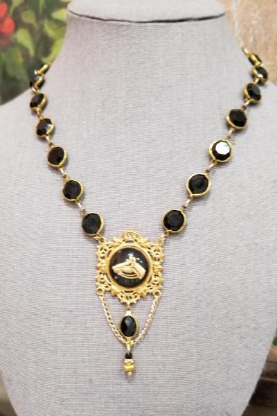 Whoa Nelly Vintage Equestrian Necklace