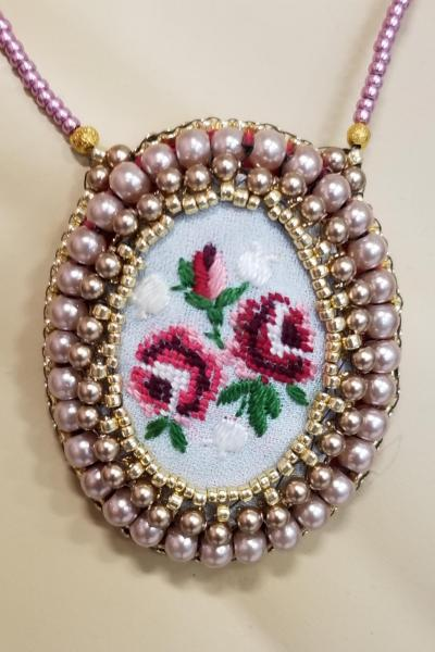 Victorian Needlepoint Embroidered Flowers Necklace