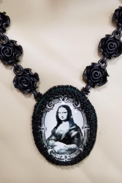 Mona Lisa and Black Roses Necklace