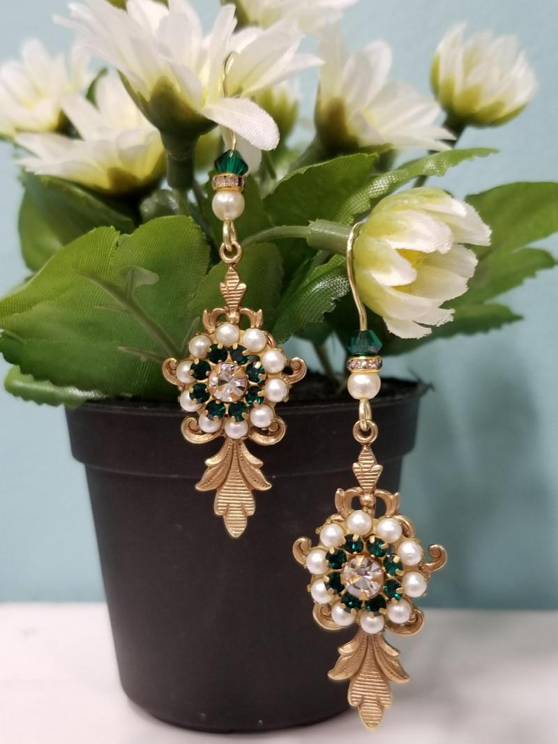 Green Petals and Pearls Earrings