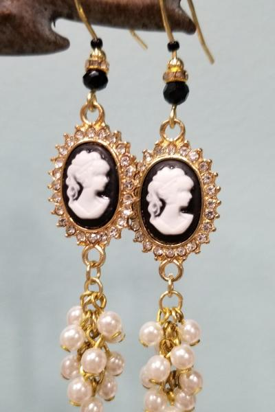 Lady Cameo with Pearl Cluster Earrings