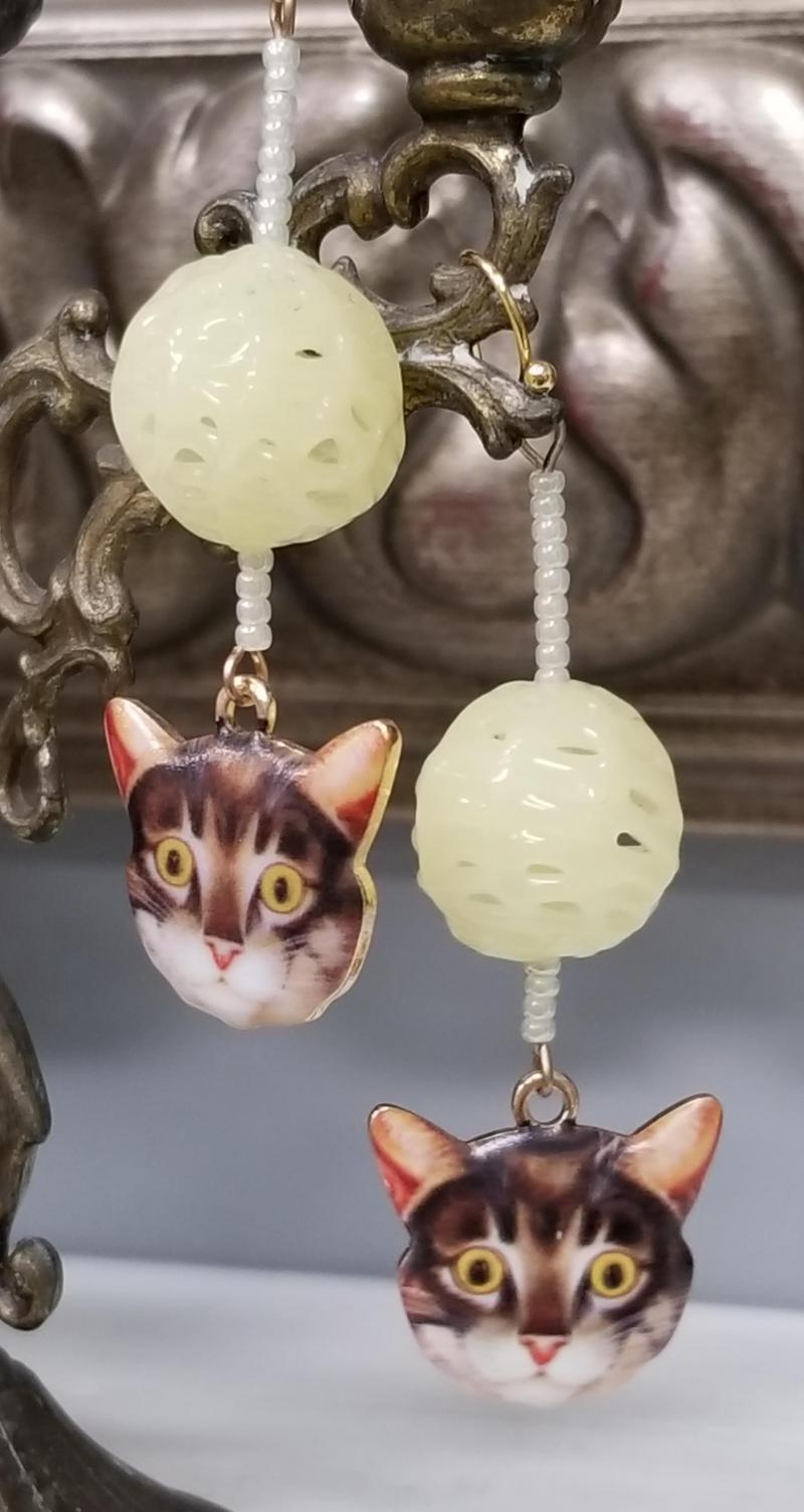 Tabby Cat with Yellow Yarn Earrings