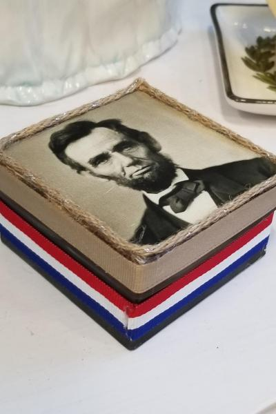 Abraham Lincoln Decorative Box