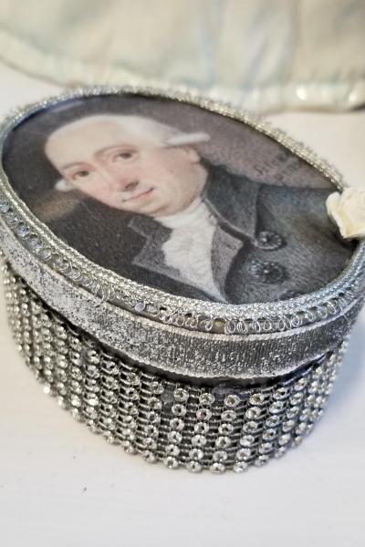 Georgian Gentleman in Gray Suit Decorative Box